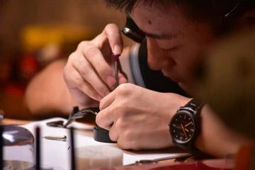 京东悄悄开出首家奢护线下店,奢侈品后市场争夺战开始了?