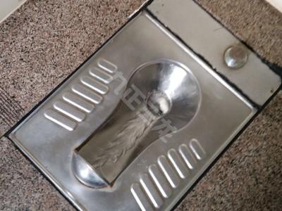 环保厕所用不锈钢蹲便器 宽板设计 节水型-- 泊头市三龙铁路车辆配件厂