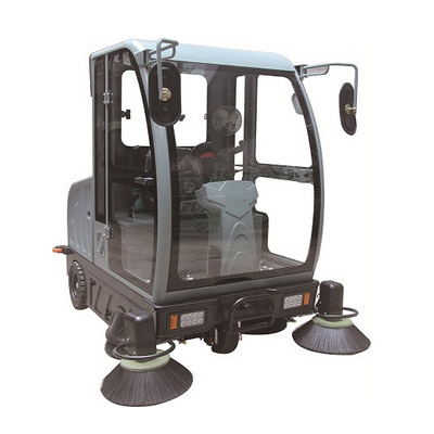 旧尼全封闭驾驶式扫地车V5