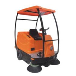 豪华版中型驾驶式扫地车V3