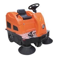 台湾舒适版中型驾驶式扫地车V2