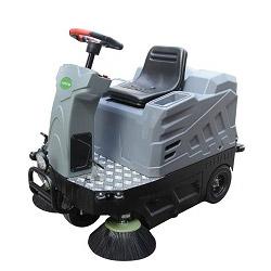 旧尼驾驶式扫地车V1