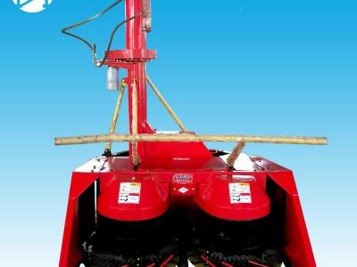 1.8米籽粒破碎玉米青储机犇牛背负式青储机割台-- 山东犇牛畜牧机械设备有限公司