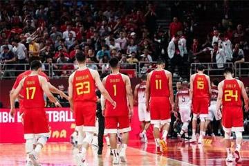 """中国男篮的惨败,真是因为球员""""不拼命""""?"""